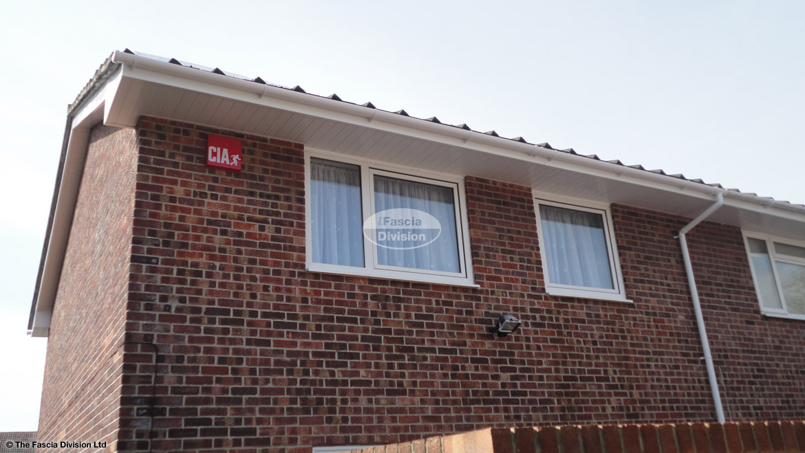 Full Replacement Fascias Soffits And Guttering On A Semi